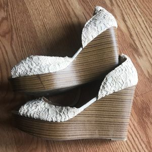 Cream Lace detail wedge heels. SIZE 10